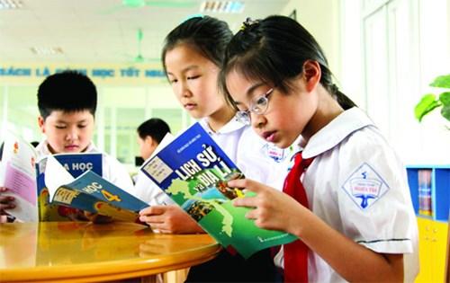 Xây dựng quan niệm và tầm nhìn mới về sách giáo khoa